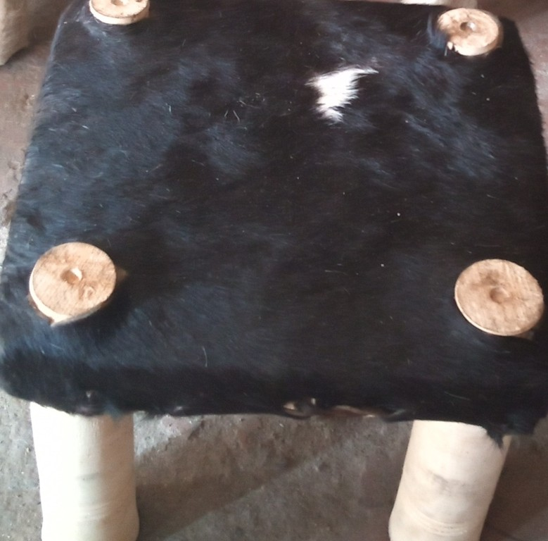 fur stool 4 stand